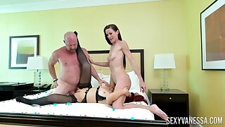 Sweet coddle Sofie Marie rides a dick of economize on from Sexy Vanessa
